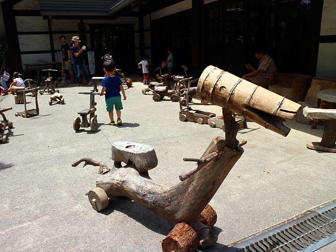 子供と遊ぶなら、ふるさと体験館と水遊びの池