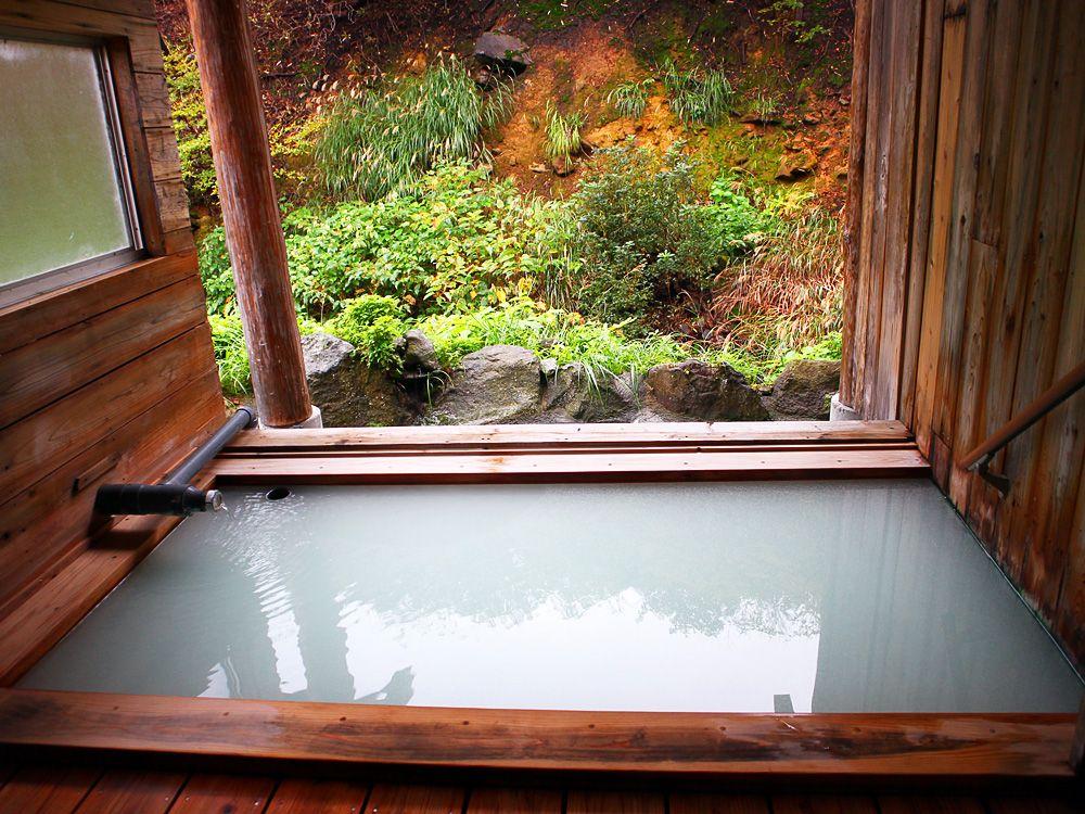 桧の露天風呂で癒しの時間を!
