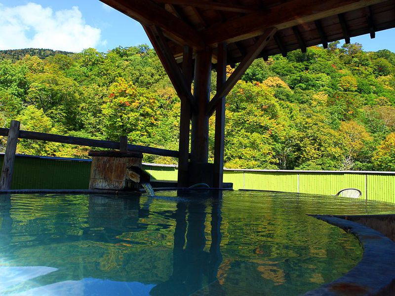 絶景!「幕川温泉 水戸屋旅館」の展望露天風呂