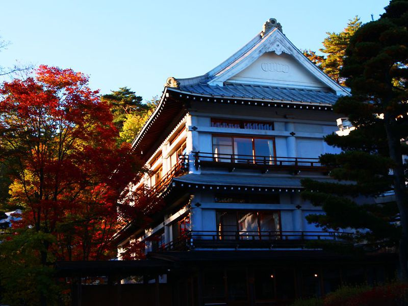 草津温泉湯めぐり手形で「和風村」の老舗旅館を巡る