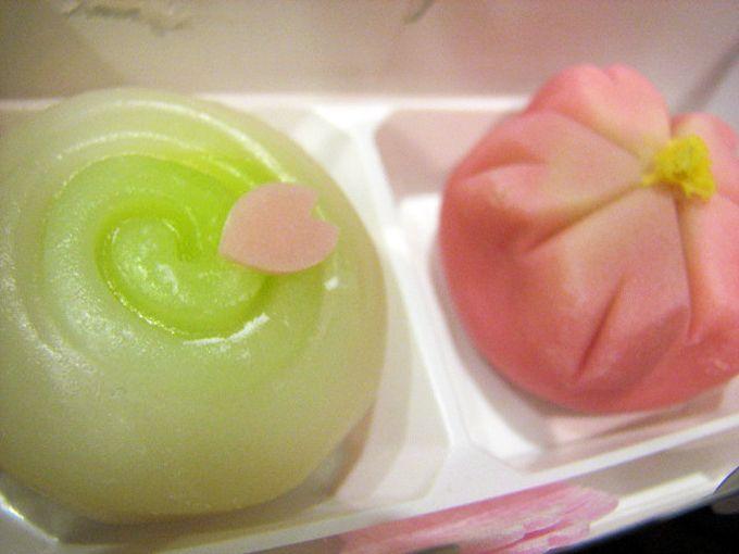 お楽しみの和菓子試食時間