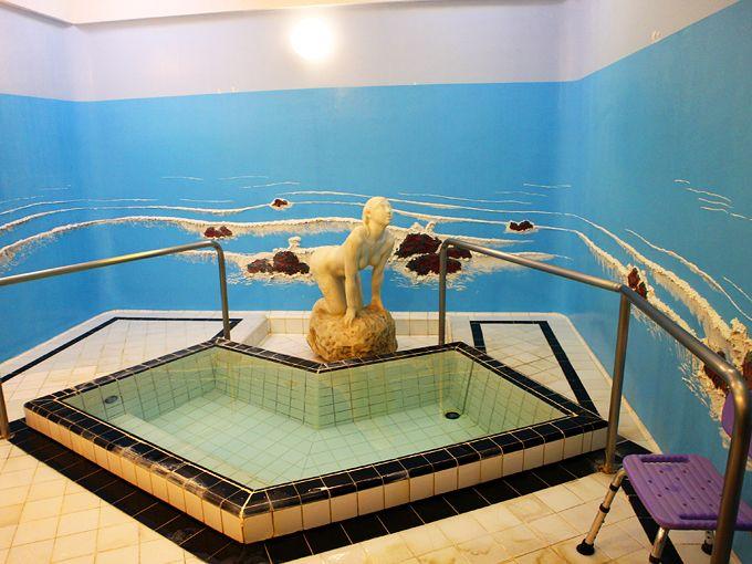 富士屋ホテルのレトロな貸切風呂「マーメイドバス」