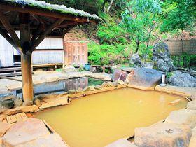 信州角間温泉「岩屋館」は濁り湯だから混浴でも大丈夫!