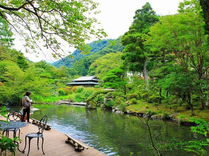 ステーキと一緒に箱根湯本の温泉「吉池旅館」を楽しむ