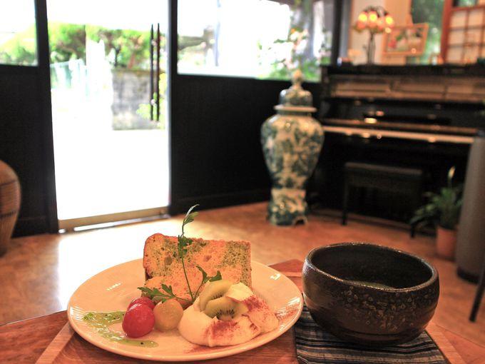 箱根湯本のレトロなカフェで「茶のちもと」「茶房うちだ」