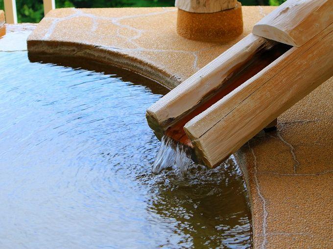 アートな丸い箱根水明荘の貸切露天風呂