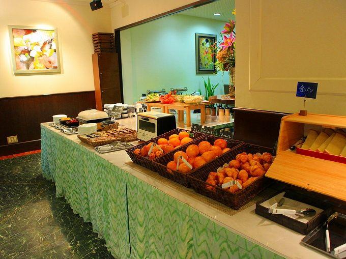 ウェルカムホテル高知はレストランで無料朝食も