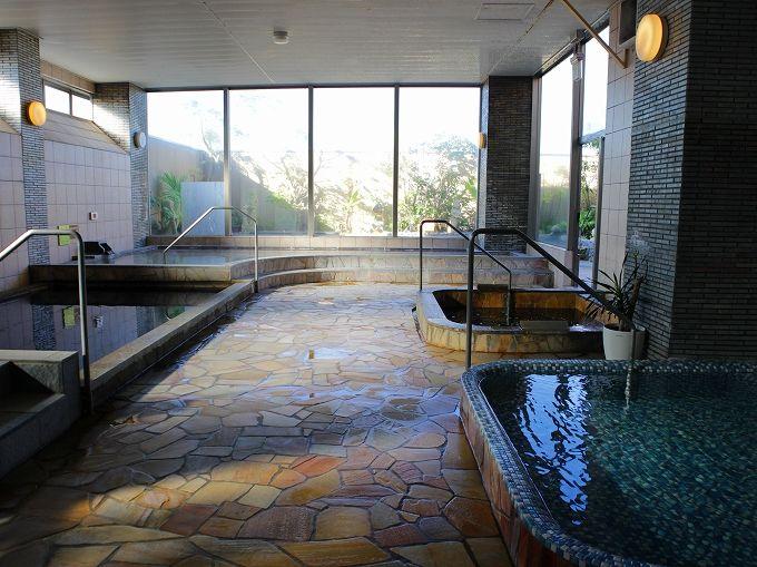 スパ・リブールヨコハマの温泉は美人の黒湯
