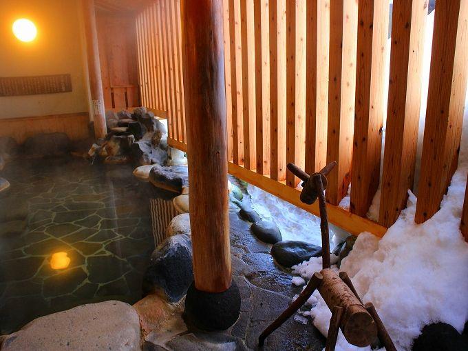 ひなの宿 ちとせの露天風呂は源泉掛け流し!