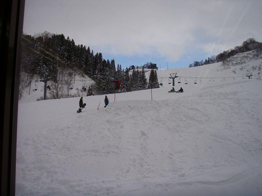温泉付きチケットで楽しむ松之山温泉スキー場