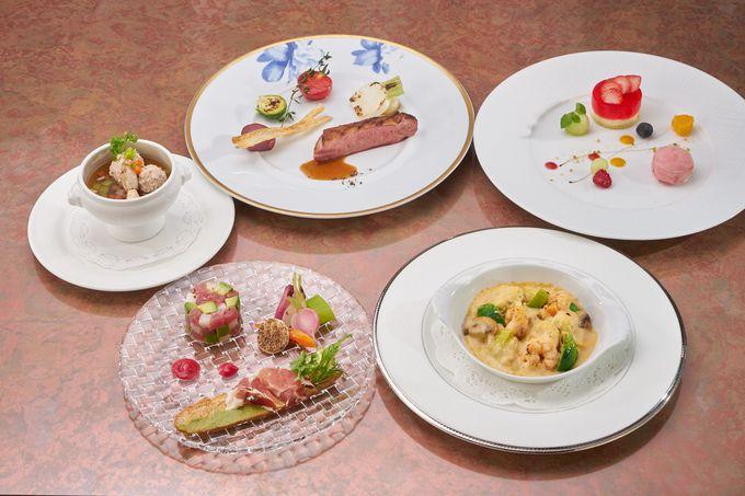 理由4 小田急 山のホテルの夕食は淑女の気分で
