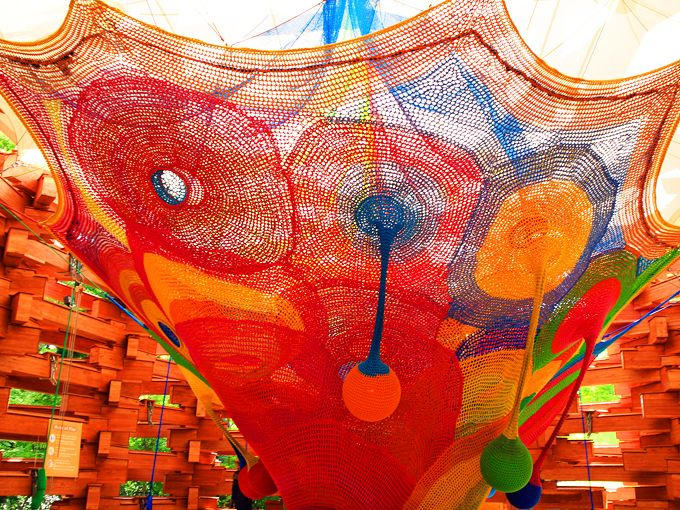 彫刻の森美術館はカラフルなアート作品を狙え!