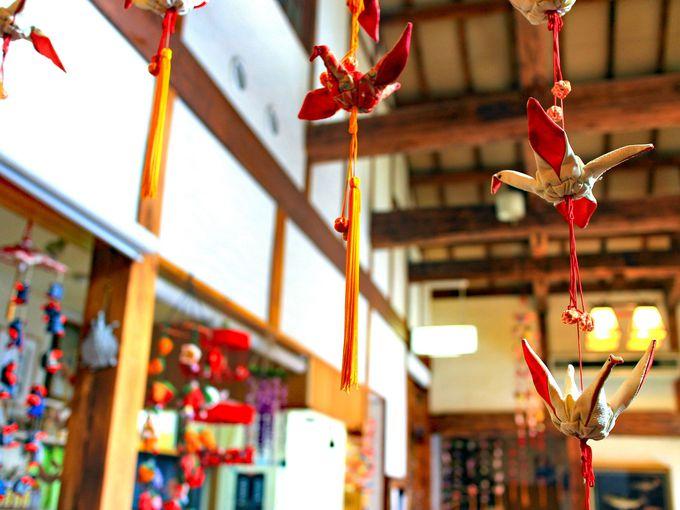 吊し飾りは女将さんと大女将さんの手作り!