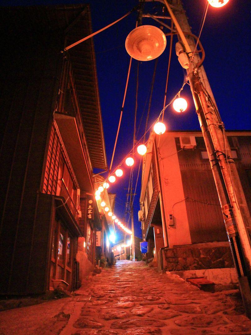 老舗宿のゆのひら上柳屋と石畳の湯平温泉街