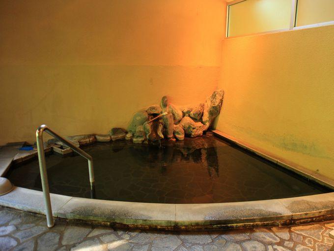 山崎旅館の混浴露天風呂は女性でも入りやすい
