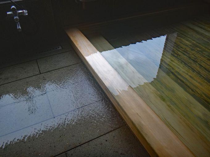 源泉掛け流しの「銭がめ」の温泉