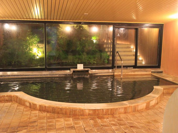 白い繭が露天風呂に!箱根レイクホテルの湯房MAYUの森