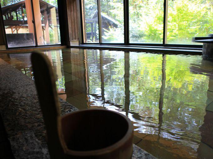雰囲気満点な「箱根湯寮」の露天風呂