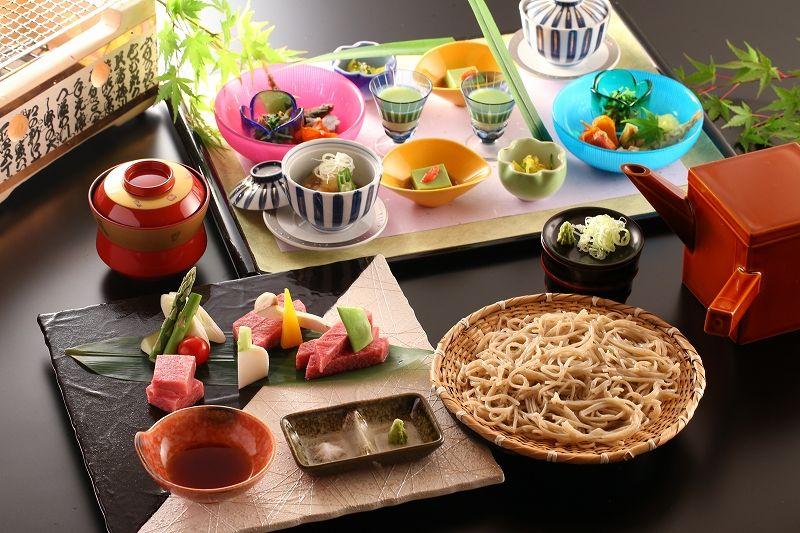 「ホテル玉之湯」の食事は漬け物と蕎麦に自信あり!