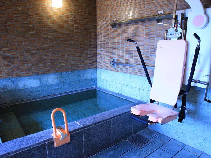 「ホテル玉之湯」の大浴場と貸切展望露天風呂