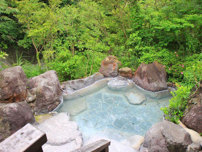 野蒜山荘の青い温泉とは