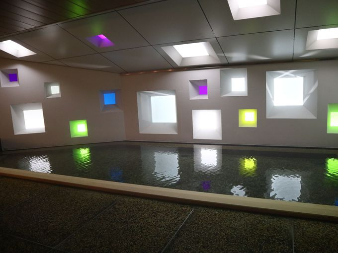 「箱根 ゆとわ」の客室と温泉