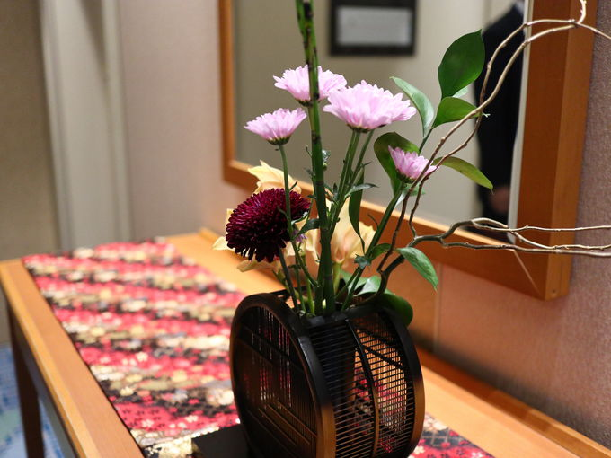 京都駅から1駅5分、山科駅正面の「京都山科 ホテル山楽」