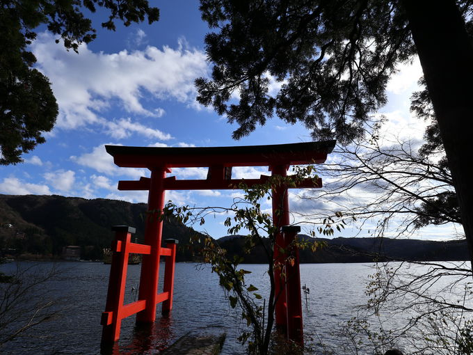 「箱根神社」では一ヵ所で御朱印が3種類いただける