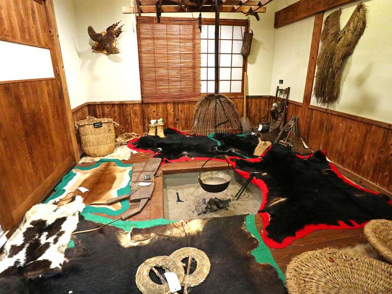 秋田・打当温泉「マタギの湯」でマタギを知りマタギの夢を呑む
