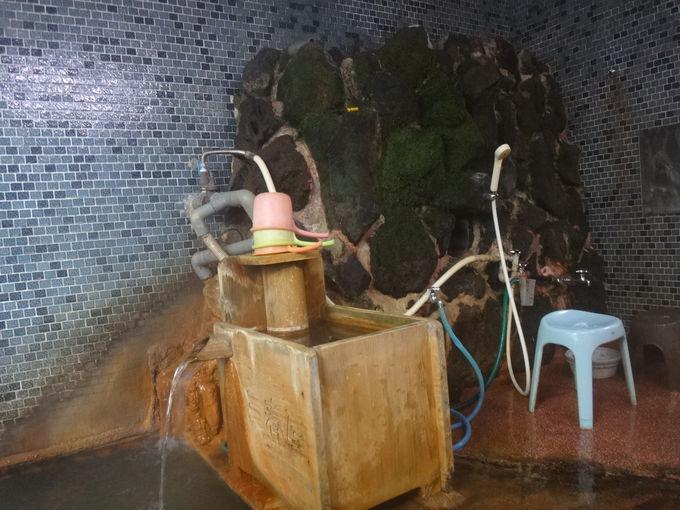 「三春屋」なら独自源泉と共同源泉の2種類のお湯に入れる