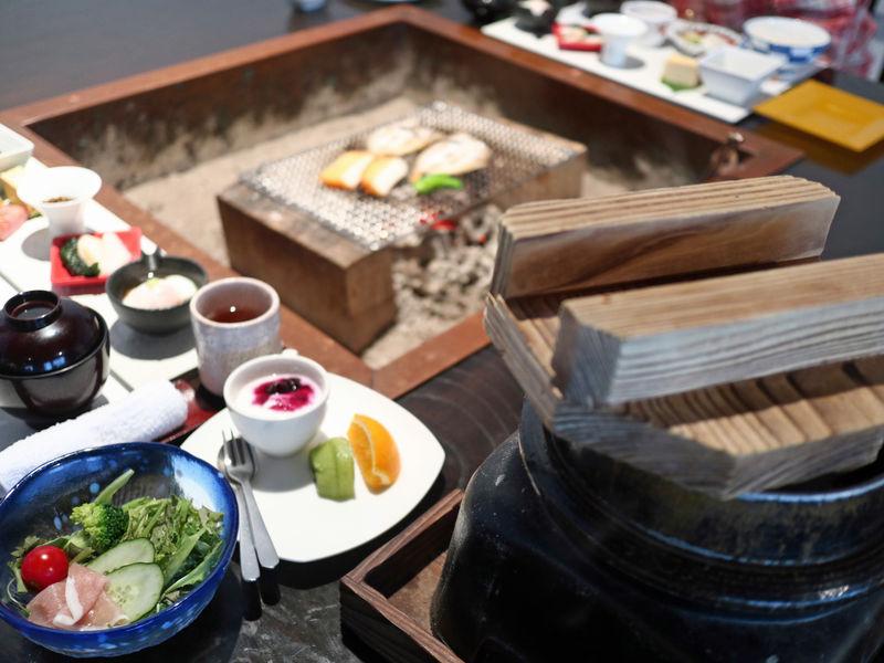 花巻温泉郷 台温泉「やまゆりの宿」は囲炉裏スタイルの美食宿