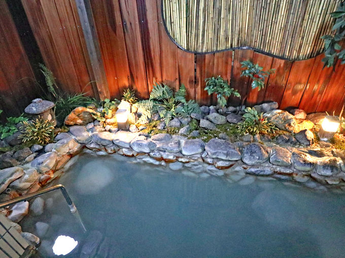 「ゆやど雲仙新湯」の2つの大浴場と貸切の家族風呂
