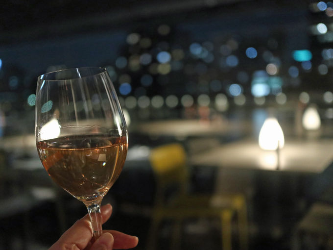 夕食は「Anchor Ryogoku Riverside」でワインと
