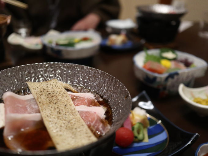「法師温泉 長寿館」の廊下 部屋そして食事