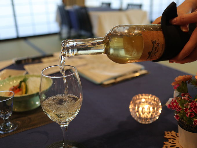 「延命館」夕食の洋風コースにはワインを合わせて