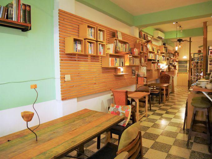 居心地のいいカフェ「好森珈琲X註書店」