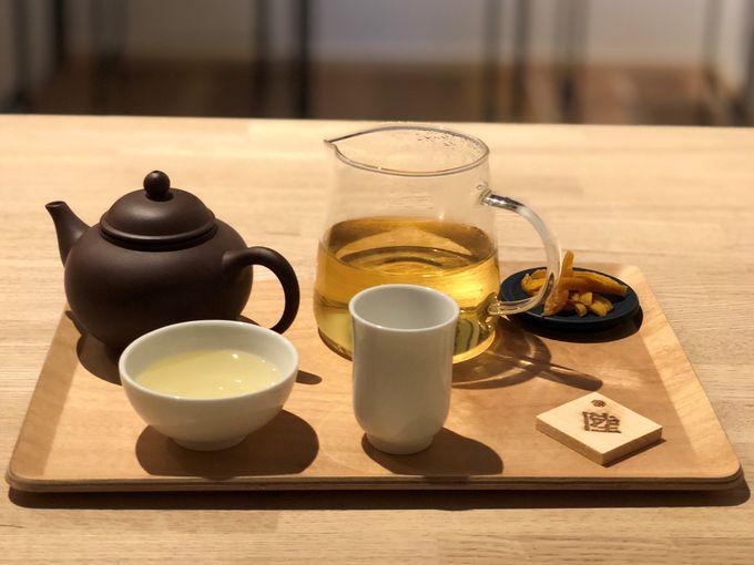 試験管でオーダーする台湾茶