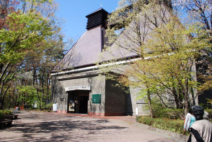 絶景&資源豊富な森の中にある『サントリーウイスキー工場』
