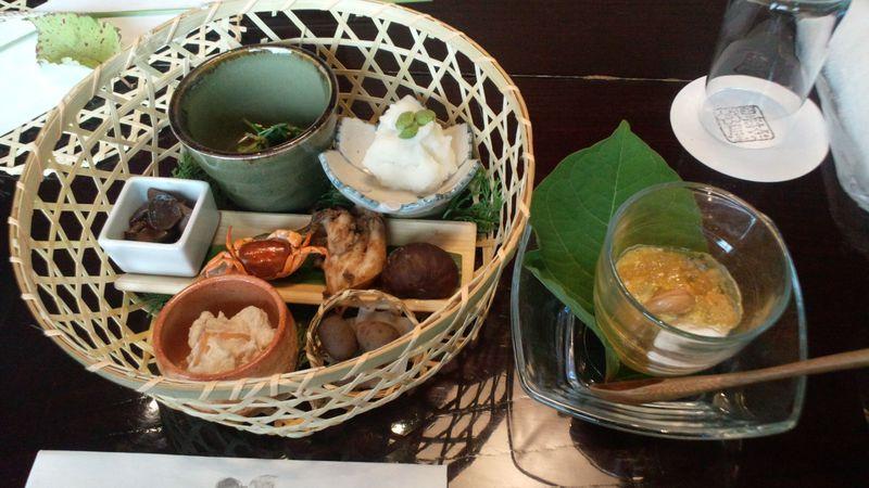 あきる野市・東京の奥座敷「黒茶屋」の山里料理と秋川渓谷を楽しむ