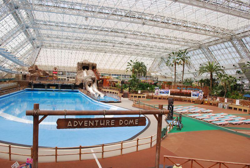 東京サマーランドは一年中常夏気分!プールも遊園地も遊びつくせ!!