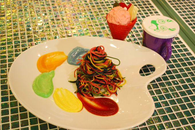 4.KAWAII MONSTER CAFE