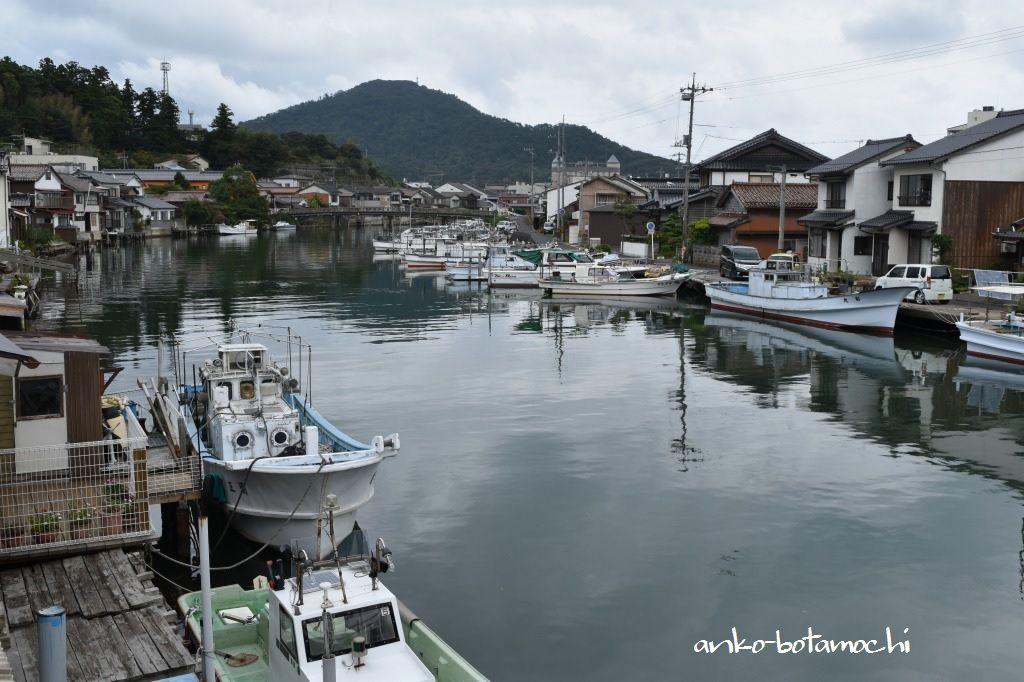 情緒あふれる港の風景は絶好のスケッチや撮影スポット