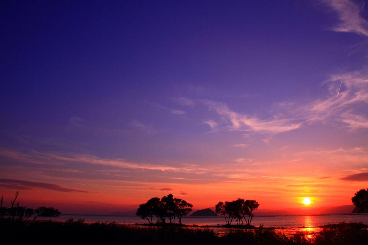 黄昏時の空と琵琶湖のコントラストが芸術的すぎる!!