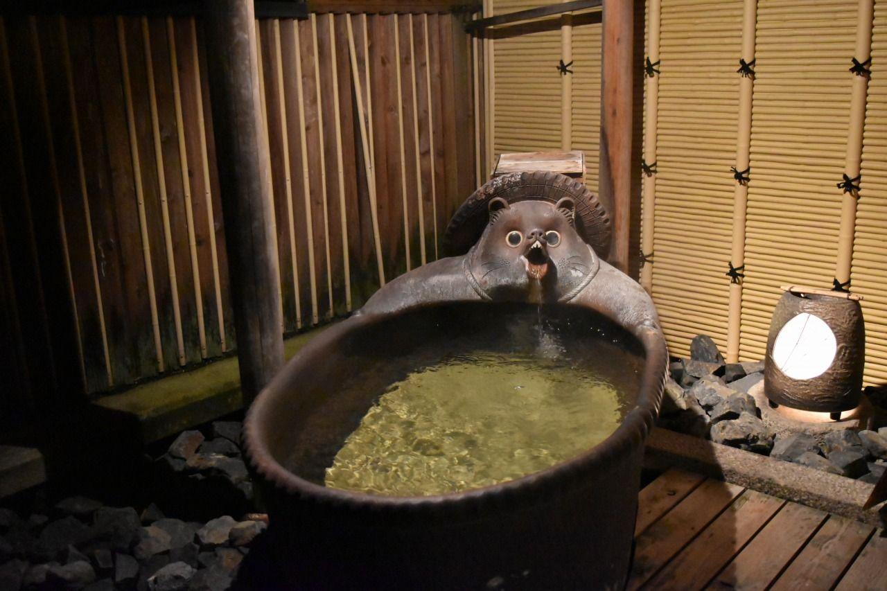 たぬきだらけ過ぎる温泉!?滋賀県「炎の里信楽の宿 小川亭」