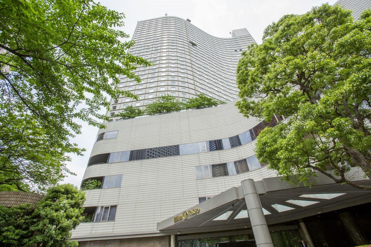 地下鉄 西新宿駅から「ヒルトン東京」までは徒歩2分