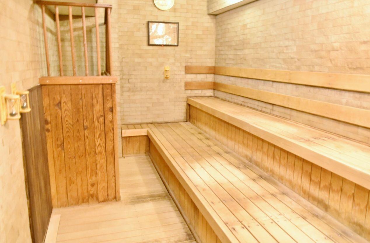 大浴場も広々!男風呂は嬉しいサウナ付き!