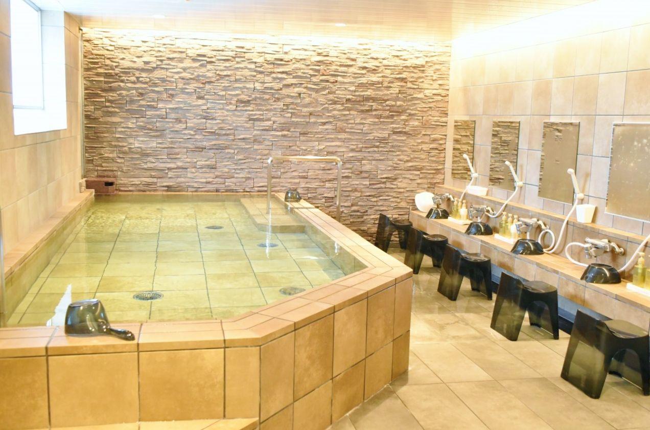 豪華な浴場やアメニティーなど女性に嬉しいサービスも充実!