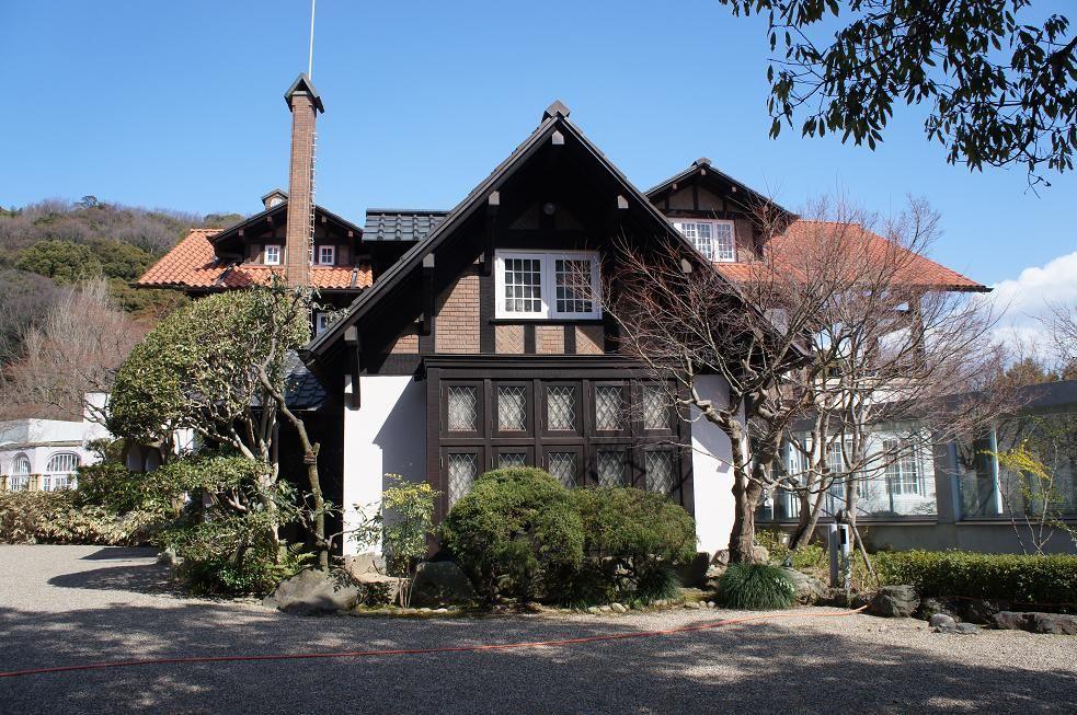天王山の麓にそびえ立つアサヒビール大山崎山荘美術館