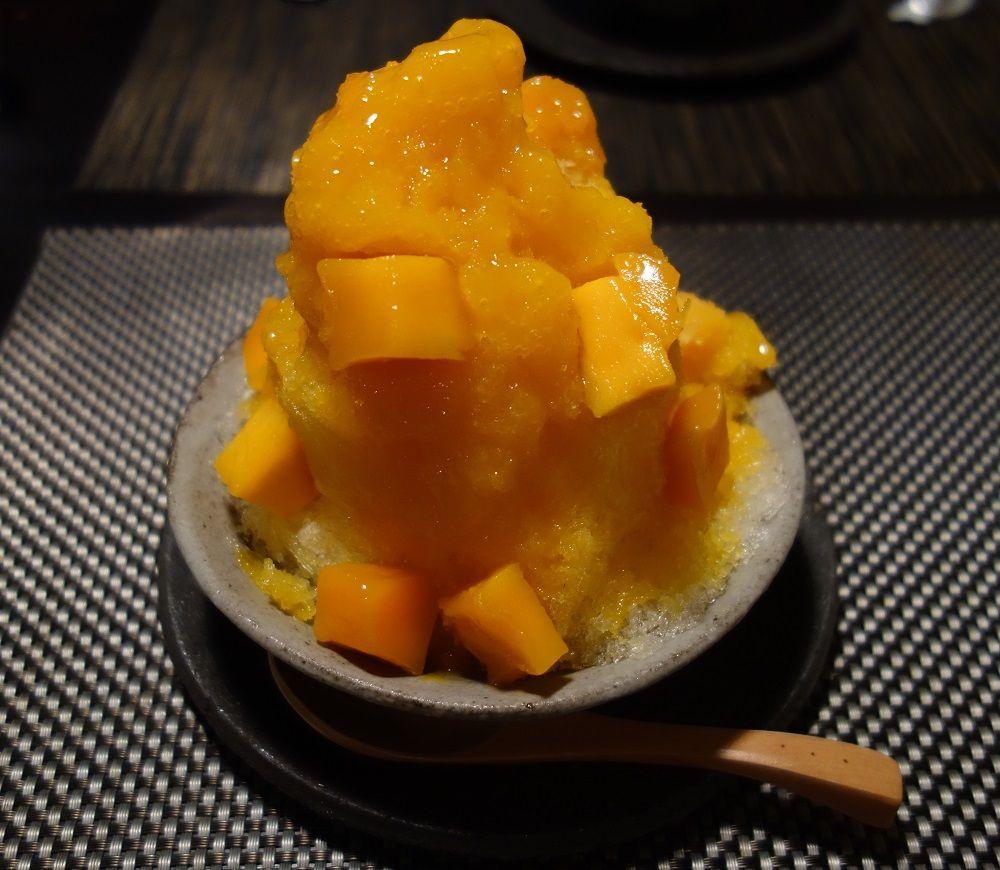 マンゴーやイチゴのかき氷♪オモカフェ
