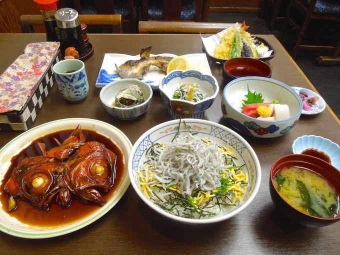 新鮮な地魚を使った豪華な夕食!